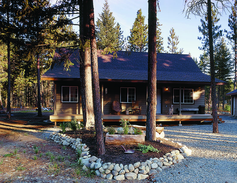 Landscaping tips to reduce homes 39 susceptibility to fire for Building a defensible home